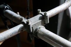 Rostiger gemeinsamer Koppler des Metallbaugerüsts Lizenzfreie Stockfotos