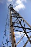 Hoher rostiger alter Kontrollturm Stockbilder