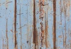 Rostiger Metallhintergrund mit Sprüngen, Schmutzbeschaffenheit Die Beschaffenheit wird mit rostigem Metall gefärbt lizenzfreie stockfotografie
