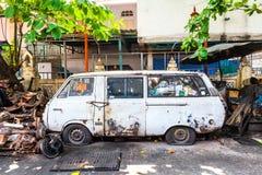 Rostiger Packwagen auf der Straße von Bangkok Stockfoto