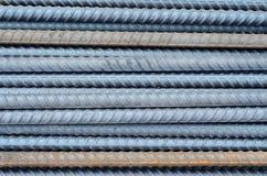 Rostiger Rebarstahl benutzt in der Bauhintergrundbeschaffenheit Stockbilder