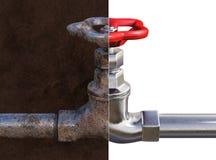 Rostiger und neuer Wasserhahn Lizenzfreie Stockfotos