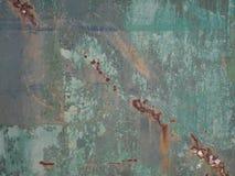 Rostiger und zerschlagener Metalltürhintergrund stockfotos