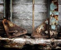 Rostiges Metall und altes hölzernes lizenzfreies stockfoto