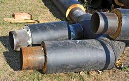 Rostiges Stahlrohr mit Wärmedämmung Lizenzfreie Stockfotografie