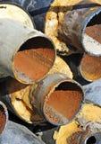 Rostiges Stahlrohr mit Wärmedämmung Stockfotografie