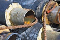 Rostiges Stahlrohr mit Wärmedämmung Lizenzfreies Stockfoto