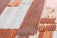 Rostigt belägga med metall taklägger Royaltyfri Foto