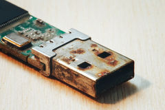 Rostigt kontaktdon för USB exponeringsdrev Fotografering för Bildbyråer