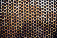 Rostigt metallraster på väggen Royaltyfri Bild