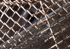 Rostigt metallraster som en bakgrund textur Arkivbilder