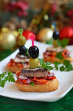Rostini Ð ¡ met gemarineerde salade en sardines Stock Foto's