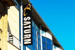 ROSTOCK, ALEMANHA - 12 de maio de 2016: Loja de Saturn Saturn é uma corrente alemão de lojas da eletrônica Foto de Stock Royalty Free