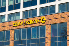 ROSTOCK, DUITSLAND - MEI 12, 2016: Commerzbank Duits AG, Royalty-vrije Stock Afbeelding