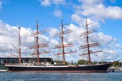 ROSTOCK, GERMANIA - AGOSTO 2016: Quattro-Master nave di navigazione Sedov Immagine Stock
