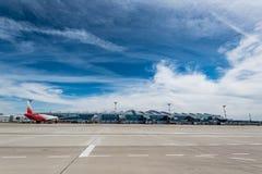 ROSTOV ON DON, РОССИЯ - 17-ОЕ ИЮНЯ 2018: Боинг 777 в авиапорте Platov в Rostov On Don Стоковое Изображение