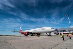 ROSTOV ON DON, РОССИЯ - 17-ОЕ ИЮНЯ 2018: Боинг 777-300ER авиакомпаний Rossiya Стоковое Изображение
