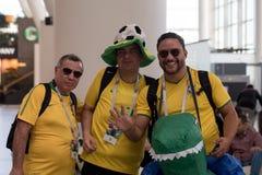 ROSTOV-ON-DON RYSSLAND - JUNI 17, 2018: Grupp av brasilianska fotbollfans Royaltyfria Foton