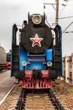 ROSTOV-ON-DON RYSSLAND - SEPTEMBER 1, 2011: Lokomotiv P36-0218 i järnväg museum Arkivfoton