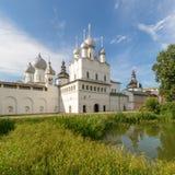 rostov kremlin Золотое кольцо России стоковые изображения rf