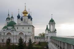 Rostov. Murs de monastère. La Russie image libre de droits