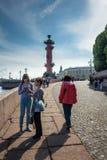 Rostral kolonn i St Petersburg, Ryssland Royaltyfria Bilder