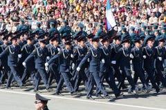 Rosyjscy żołnierze maszerują przy paradą na rocznym zwycięstwo dniu Fotografia Royalty Free