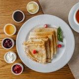 Rosyjscy bliny dla śniadania Fotografia Stock