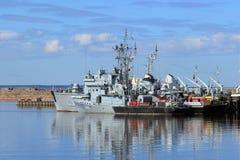 Rosyjscy statki wojenni dokują w Kronstadt Obrazy Royalty Free