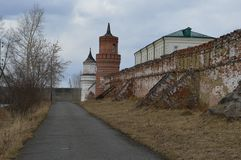 Rosyjska drogowa Rosyjska wioski szczęścia ciszy pokoju pokoju kościół pola zieleń Fotografia Stock