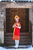 Rosyjska dziewczyna w kokoshnik Zdjęcie Stock