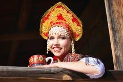 Rosyjska dziewczyna w kokoshnik Obraz Stock