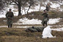Rosyjska szpieg bitwa z Niemieckimi żołnierzami Obraz Royalty Free