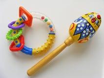 Rosyjska tradycyjna kolorowa brzęku dziecka zabawka na białym tle Obraz Stock