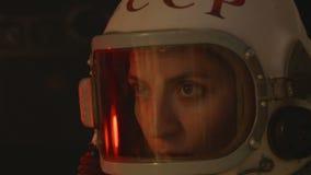 Rosyjski kosmonauta z Starym hełmem zdjęcie wideo