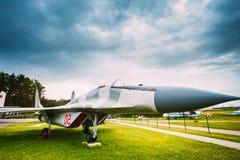 Rosyjski Radziecki wojskowy Hebluje samolot wielocelową linię frontu fi Obrazy Royalty Free