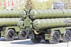 Rosyjski wojskowy odtransportowywa przy paradą na rocznym zwycięstwo dniu, Zdjęcia Stock