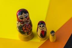 Rosyjskie Tradycyjne lale Matrioshka, Matryoshka lub Babushka - Zdjęcie Stock