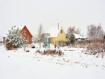 Rosyjskiego kraju domów drewniany dacza Zdjęcia Royalty Free