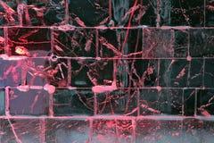 Rot beleuchtete Eiswand Lizenzfreies Stockbild