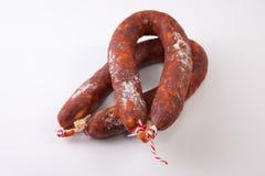 Rot kurierte Chorizos Stockfoto