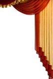 Rot mit dem Goldtrennvorhang Stockbild