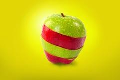 Rot und Grün geschnittener Apfel Lizenzfreies Stockfoto