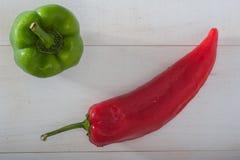 Rot und grüner Paprika Stockbilder