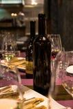 Rot und Weißwein für Partei stockfotografie