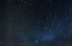A rotação das estrelas em torno da estrela norte foto de stock
