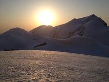 Rota alpina de Tateyama Kurobe (cumes) de Japão, Japão imagens de stock