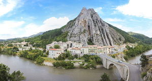 Rota napoleon france do durance do rio de Sisteron Fotos de Stock Royalty Free