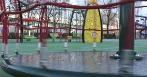 Rotación del carrusel en el parque almacen de video