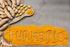 Rotar, pulver- och gurkmejapreventivpillerar - Curcumalonga arkivbilder